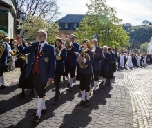 Die Winzerkapelle bei der Prozession zum Weißen Sonntag 2013